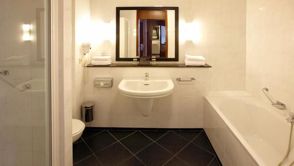 Luxe Triple   Van der Valk Hotel Volendam